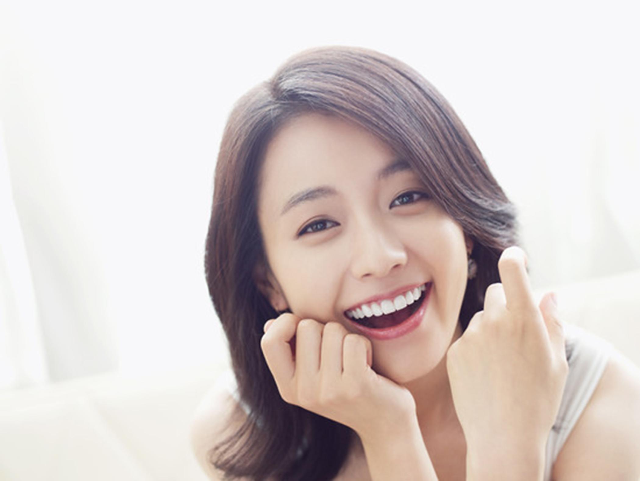 Han Hyo Joo Transforms into a Femme Fatale