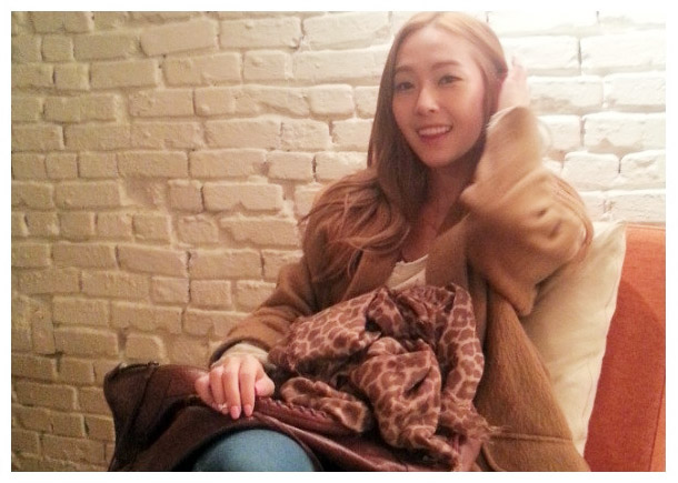Jessica Looks Beautiful and Feminine as a Blonde