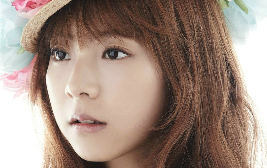 "Juniel Lends Her Composing Talents for 1st Japanese Studio Album ""Juni"""