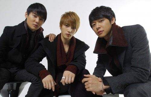JYJ Practices Hard for Their Upcoming Concert