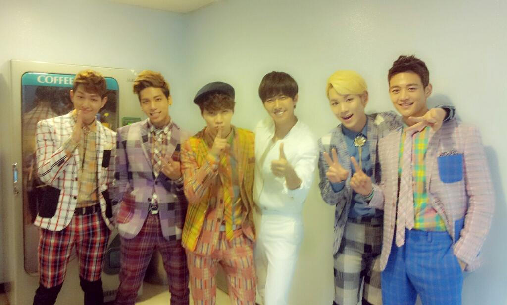 "Kwanghee Congratulates SHINee Members for Their Win on ""Inkigayo"""