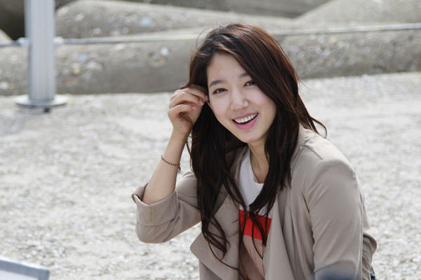 "Park Shin Hye Considering Starring in Upcoming KBS Drama ""Knife and Flower"""