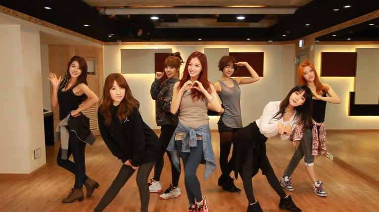 "Rainbow Reveals Dance Practice Video for ""Tell Me Tell Me"""