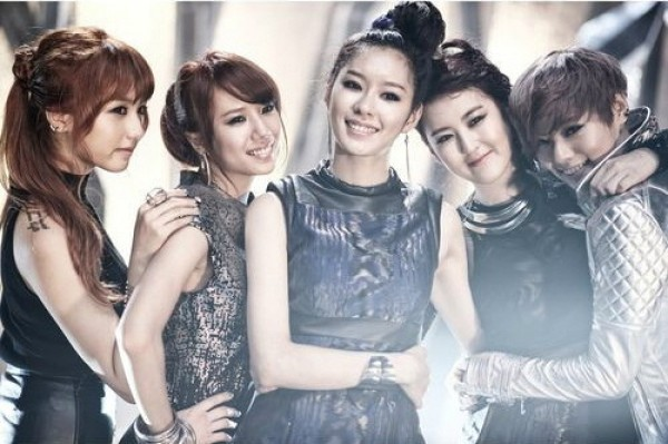 "RaNia's Riko Unable to Join Promotions of ""Just Go"" Due to School"