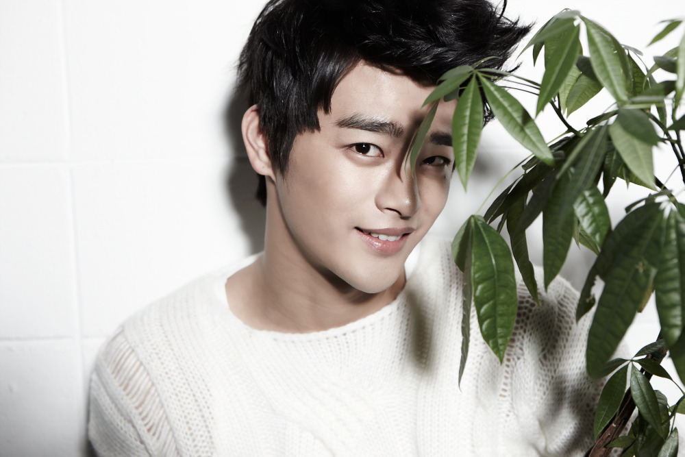 "Seo In Guk Still Hasn't Spent His Prize Money from Winning ""Super Star K"""