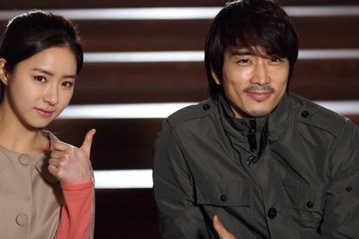 """BTS Photo of Shin Se Kyung and Song Seung Hun for """"When a Man Loves"""" Is Released"""