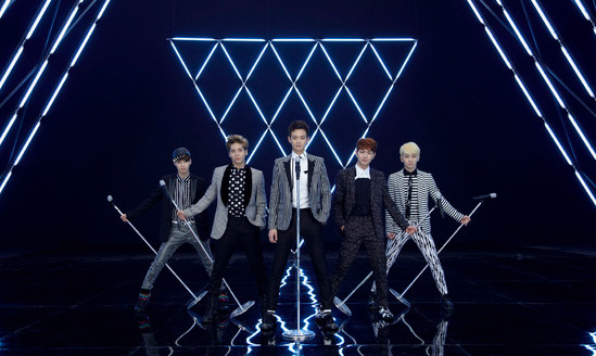 SHINee's Mic Stand Costs Over $1,500 Each?