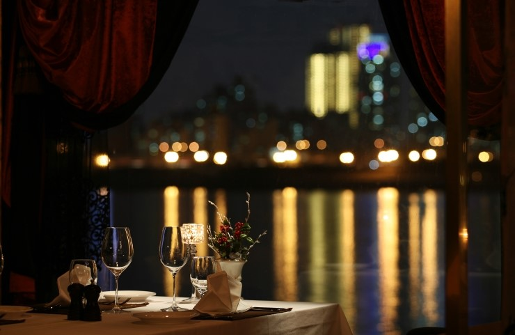 12 Casual Romantic Places for Dining on White Day!