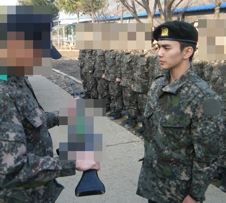 Yoo Seung Ho Is a Manly Military Man in Recent Photo