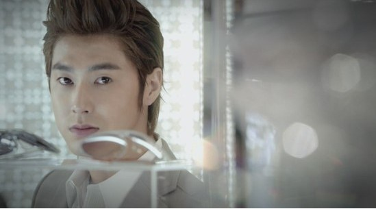 """Yunho Gives Thoughts on Dropping Out of """"Yawang"""""""