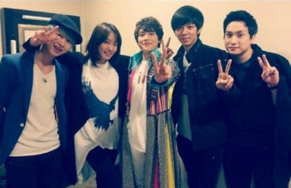 "ZE:A Members and Park Jung Ah Visit Lim Siwan at Musical ""Joseph and the Amazing Technicolor Dreamcoat"""