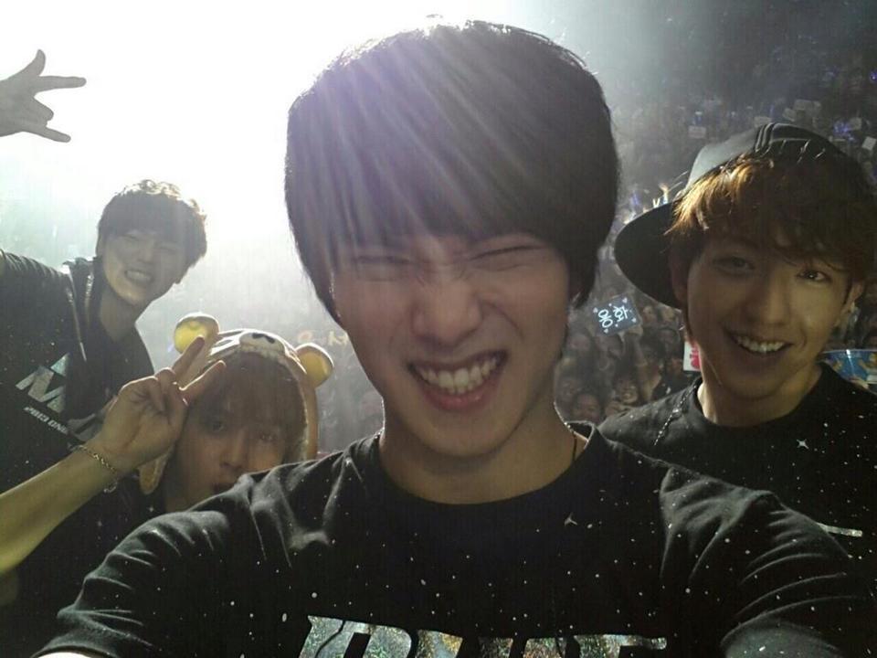 "[Concert Review] CNBlue's ""Blue Moon World Tour"" Concert in Singapore"