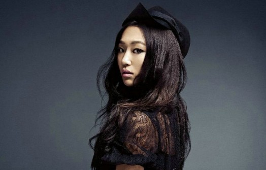 "SISTAR's Hyorin Reveals Forehead for ""Vogue Girl"""
