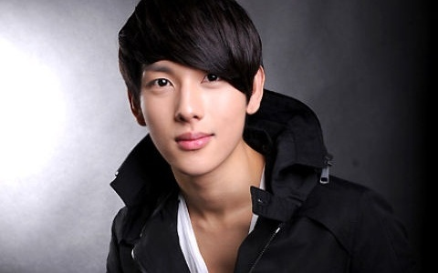 Im Si Wan Is Cast in His First Movie