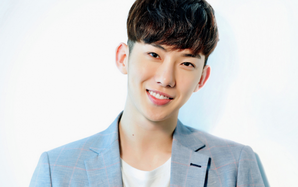 2AM's Jo Kwon Shines Among His Dancers