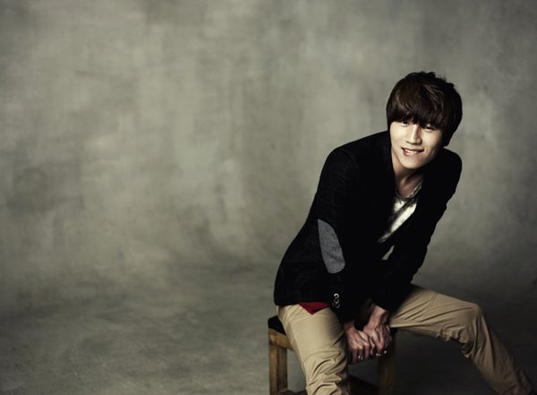 "K.Will to Serenade Fans With ""Love Blossom"""