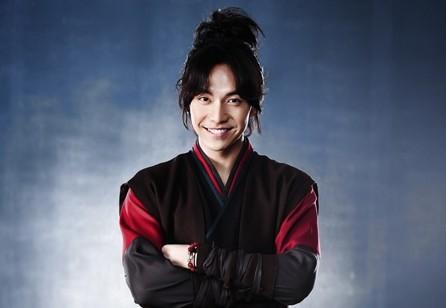 """Lee Seung Gi: """"Suzy is a Flexible Actor"""""""