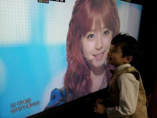[SNS PIC] Child Actor Lincoln Displays Undying Affections for Juniel