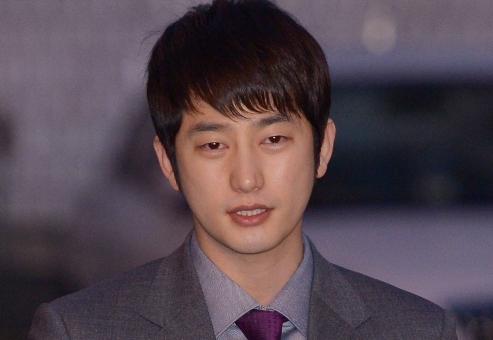 "Park Shi Hoo Taken Off ""Baeksang Awards"" Nominee List"