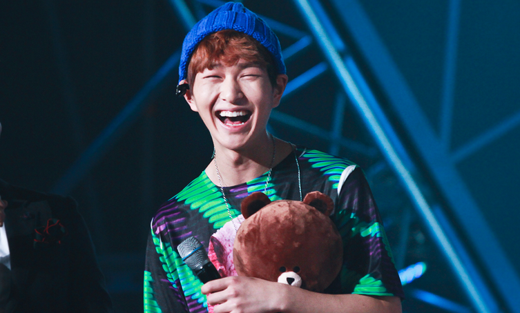 Onew Loves His Fried Chicken