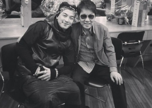 [SNS PIC] Taeyang Takes A Candid Photo With Cho Yong Pil