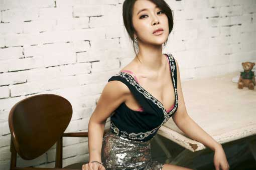 Singer Baek Ji Young Currently Has No Marriage Plans