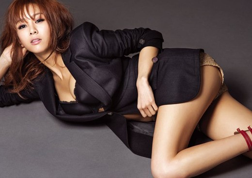 "G.Na's Sexy Editorial Spread for ""Esquire"""