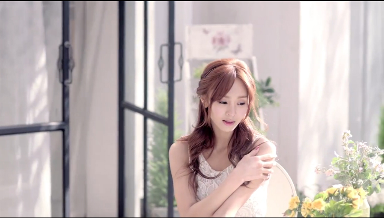 "G.NA Releases MV for ""Mind Sync"" Feat. Huh Gak"