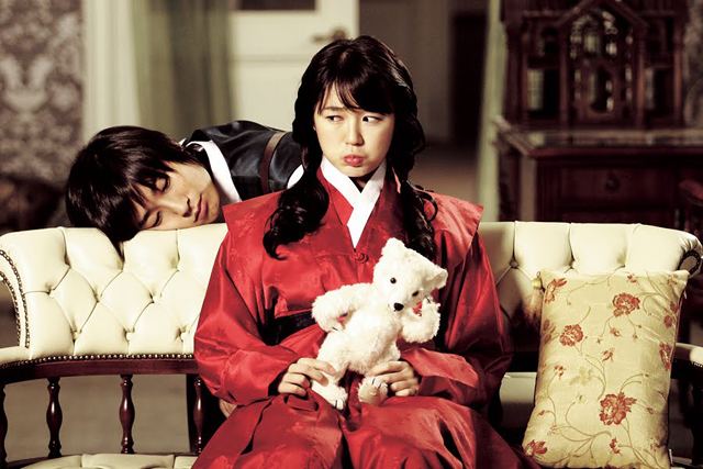 Couch Kimchi Stalks Soompi For Their 15 Favorite Couples