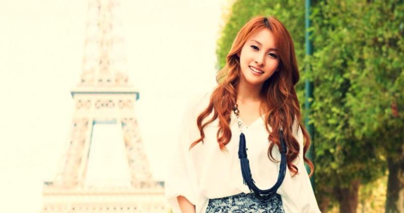 Kara's Gyuri Gifts 100 Drama Staff Members With Goodies
