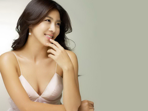 Actress Ha Ji Won Plans to Set Up Her Own Agency