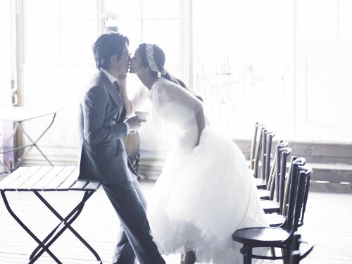 April Bride and Groom Park Sol Mi and Han Jae Suk Reveal Movie-Like Wedding Photos
