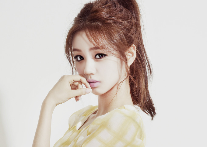 "Girl's Day's Agency Speaks Up on Hyeri's Behalf: ""She's Shocked and Suffering"""