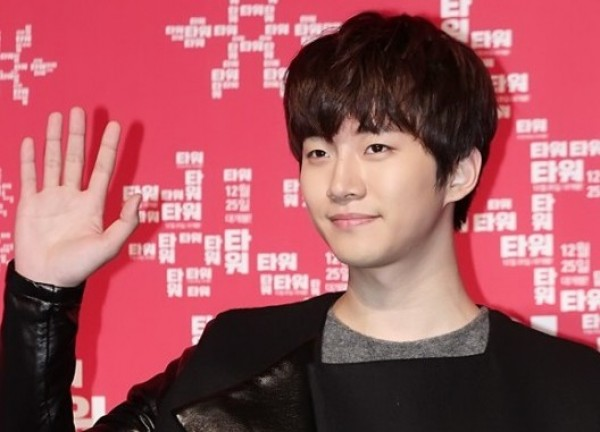 "2PM's Junho: ""If I Have a Girlfriend, I'd Keep It a Secret"""