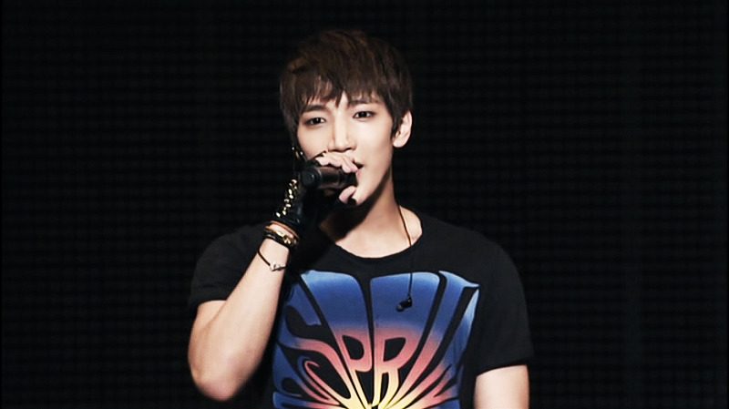 Jun.K Sweetly Reminisces His Musical Experience Via Photos