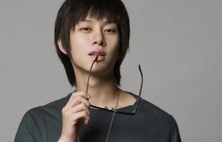 Kim Heechul Will Rejoi...