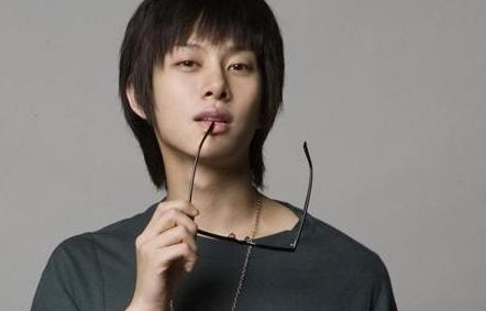Kim Heechul Will Rejoin Super Junior After Finishing Military Service