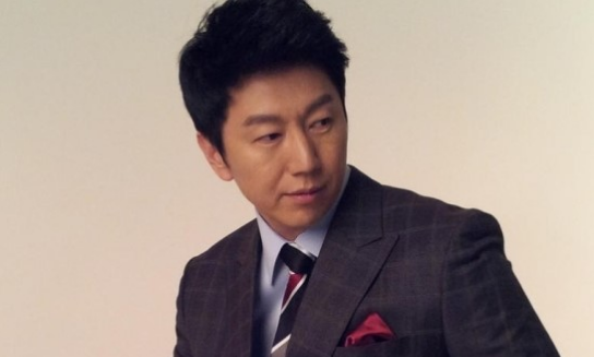 """Gentleman's Dignity"" Kim Su Ro Signs Exclusive Contract With SM C&C"