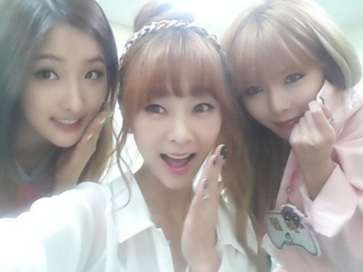 [SNS PIC] Nam Ji Hyun, G.Na and HyunA Reveal Close Friendship