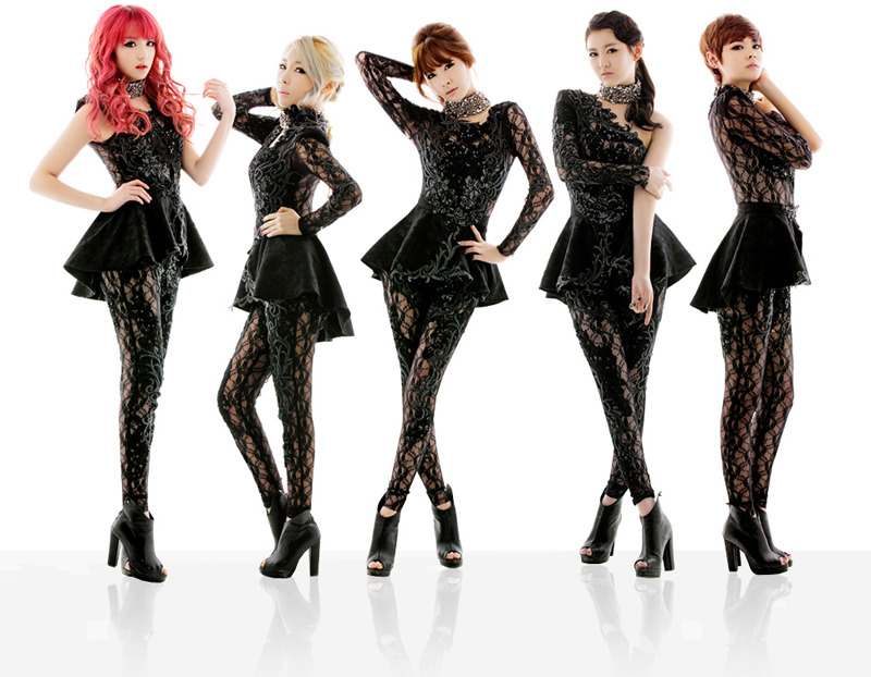 RaNia Joins Hands With Snoop Dogg for U.S. Debut