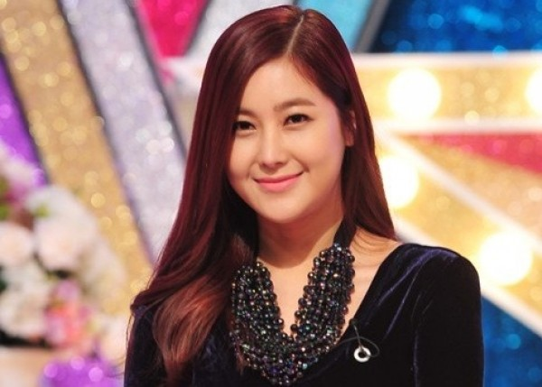 """Solbi: """"I've Had Surgeries on My Eyes and Nose, But Not My Chin"""""""