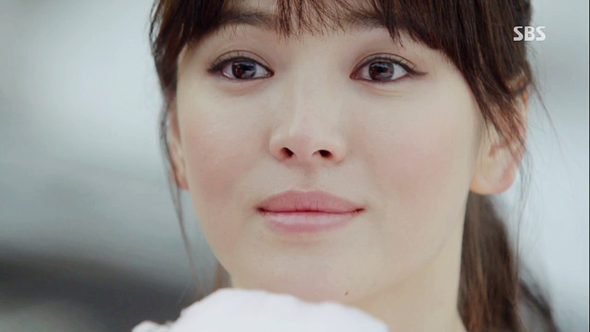 "Interview with Song Hye Gyo Part 1: ""I Wanted to Continue Feeling the Torment From That Time…"""