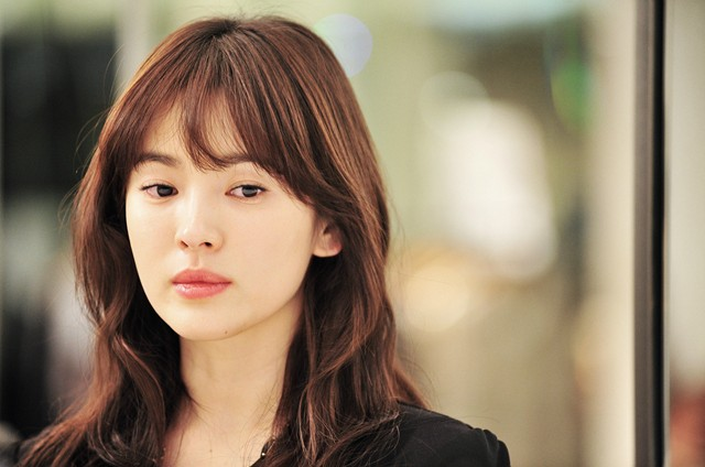 Song Hye Gyo Faithfully Volunteers to Help Abandoned Dogs for 3 Years