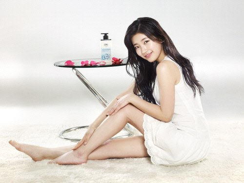 """Suzy Exudes Healthy and Beautiful Glow for LG's """"On: The Body"""""""