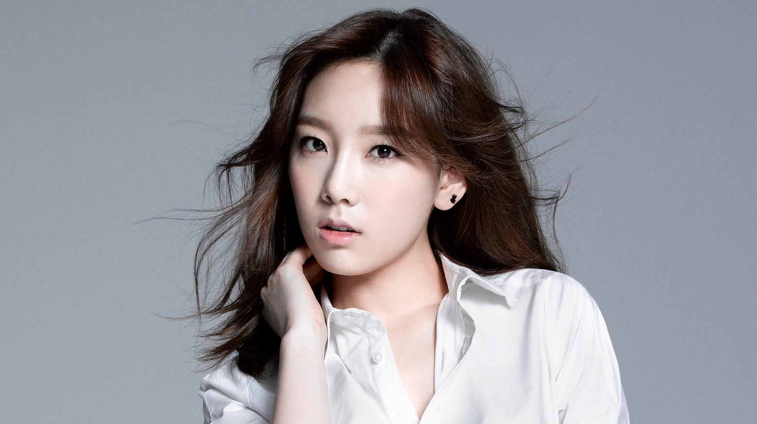 "Girls' Generation's Taeyeon Shares BTS Photos From ""Beep Beep"" MV Filming"