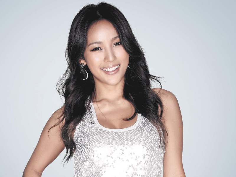 [Gallery] Happy Birthday to K-Pop's Sexy Diva, Lee Hyori!