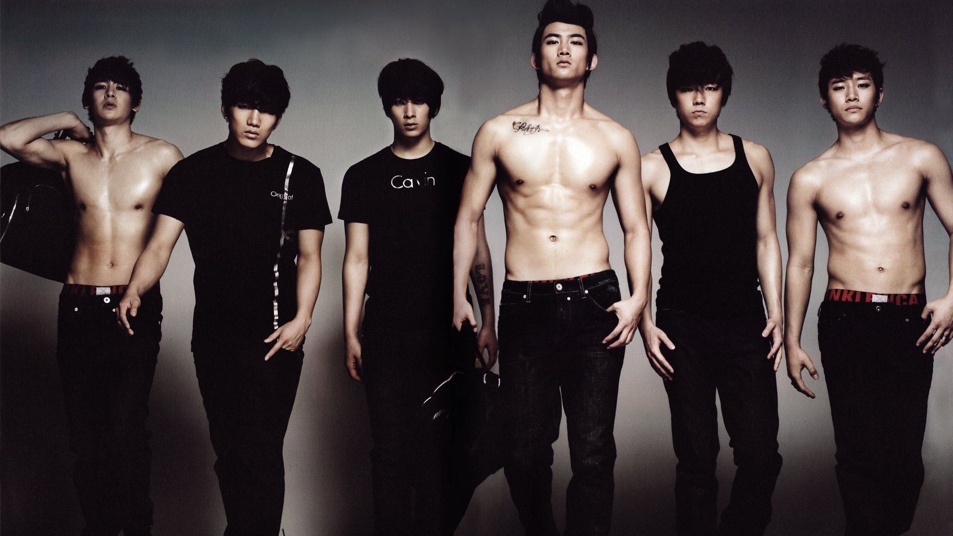 2PM to Personally Deliver Autographed Copies of Albums to Fans