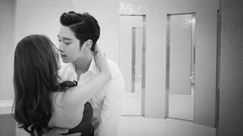 2PM Members Were Impressed with Chansung's Love Scene Techniques