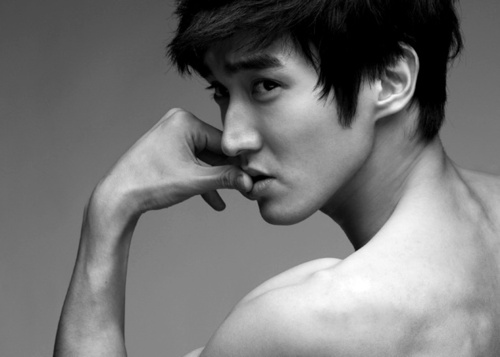 Super Junior's Choi Siwon Appears on Broadcast with No Makeup