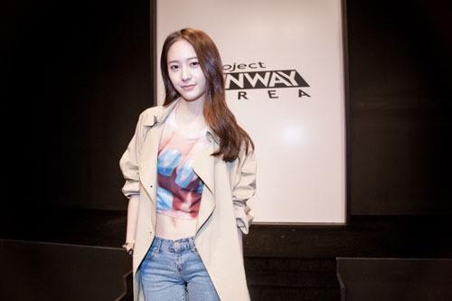"""f(x)'s Krystal Becomes a Judge for """"Project Runway Korea"""""""